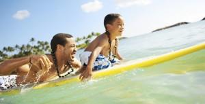 Aulani_surfing_family